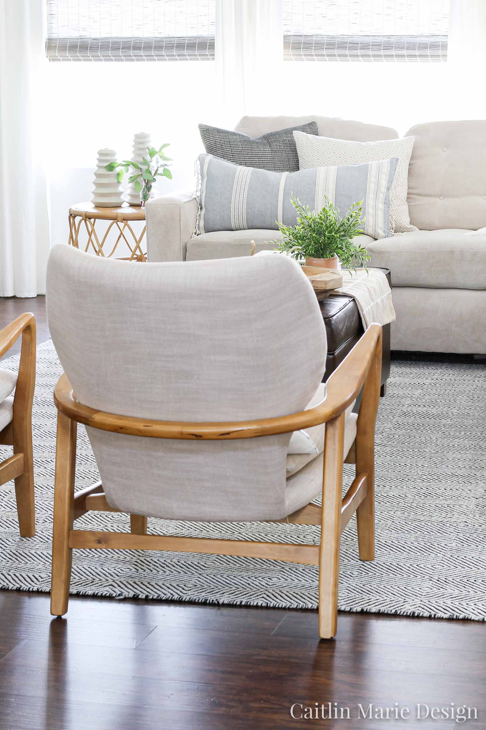 fall living room, neutral fall, autumn decor, modern traditional, modern accent chairs