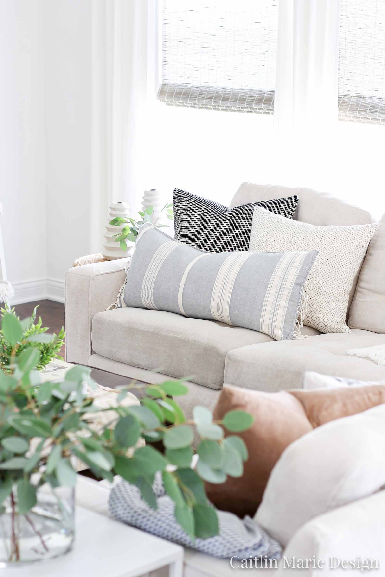 fall living room, coastal modern, coastal farmhouse, simple decor, budget friendly