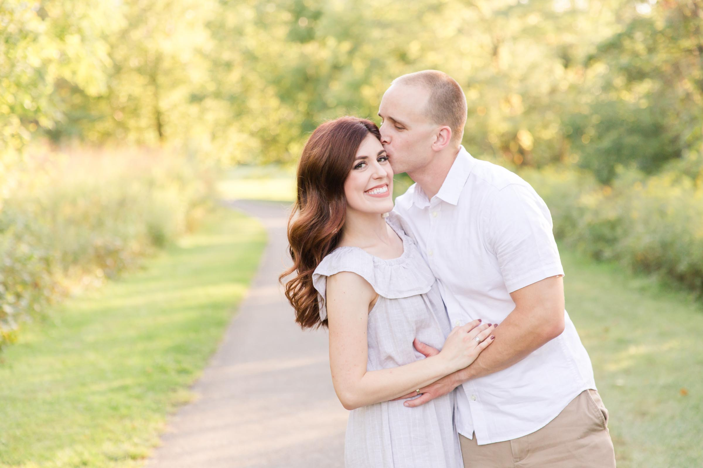 Family photo outfit ideas, outdoor family portraits, casual family photos, fall family photos, summer family photos