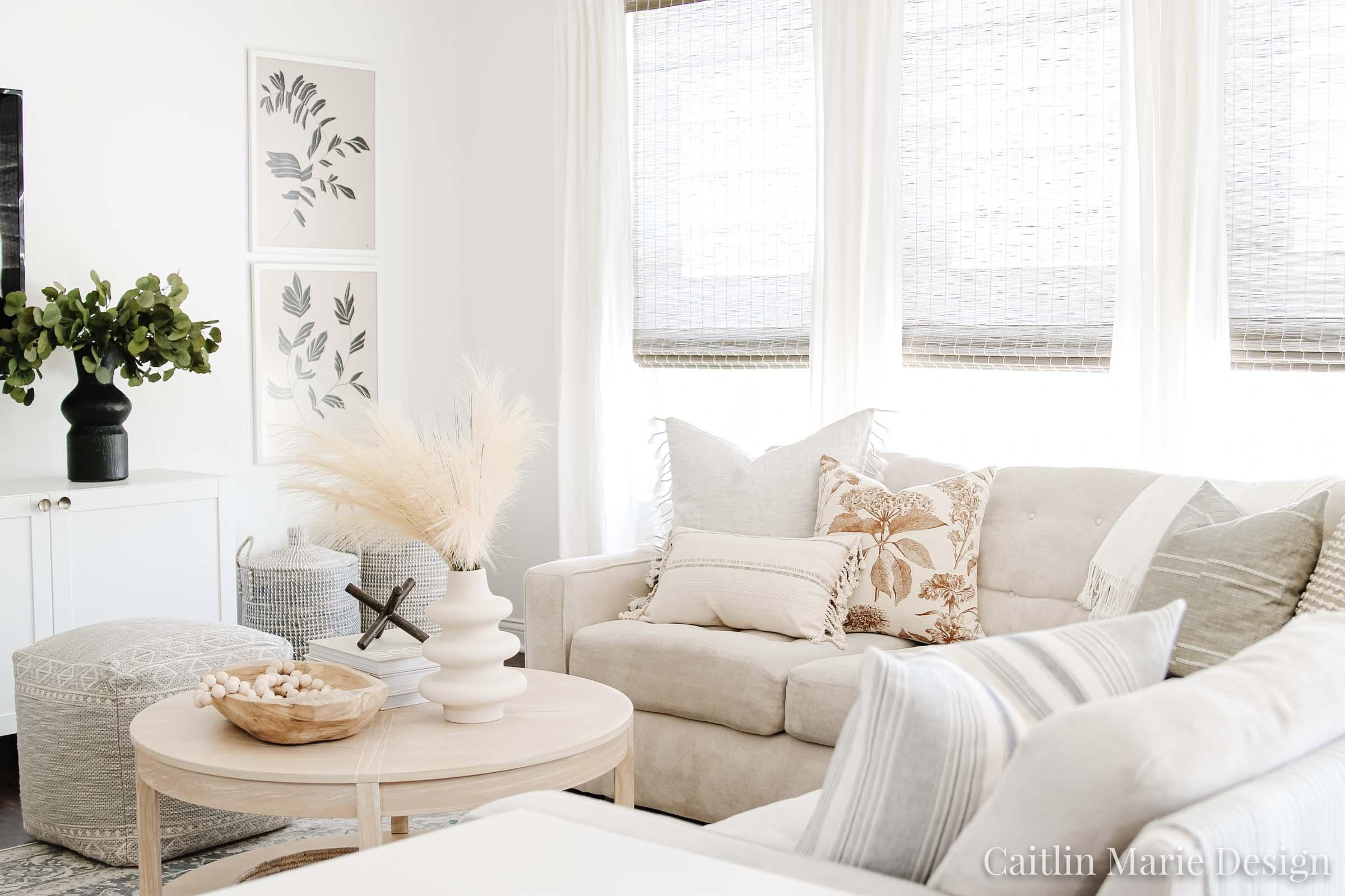 Minimalist Fall Decor | Fall Home Tour 2020 | modern traditional living room, cozy living room, aesthetic decor, modern coastal, round coffee table, fall throw pillows
