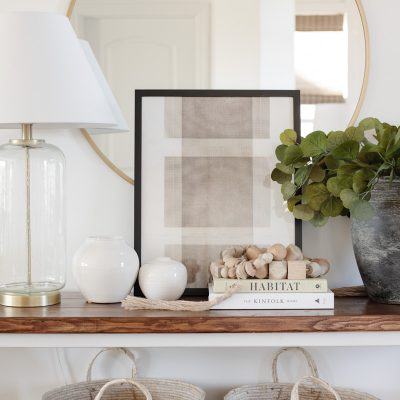 casual traditional entryway table decor