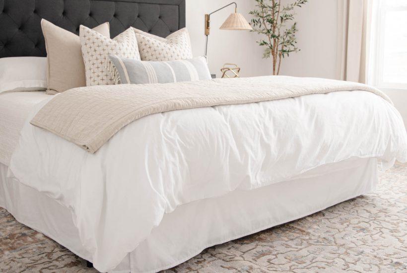 Beige Ivied Medallion Area Rug, bedroom styling