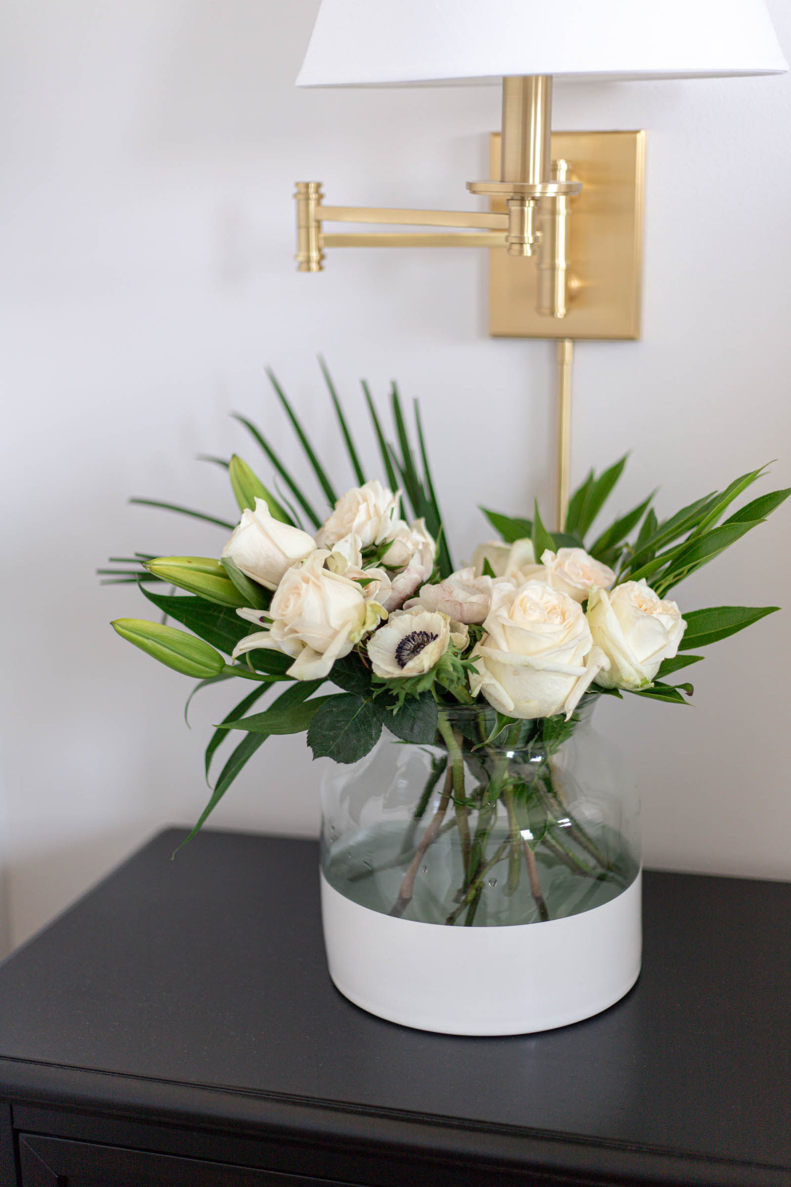 poetto vase, dipped vase with neutral florals